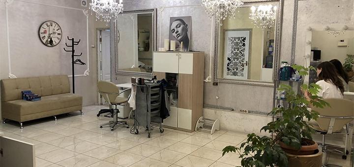 Маникюр с покрытием и снятием гель-лака в студии красоты «Darling»