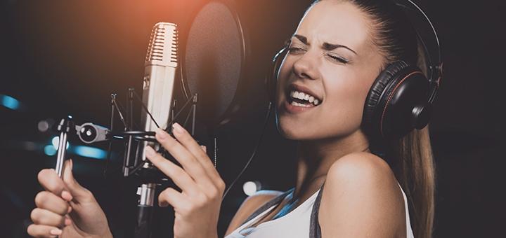 До 8 индивидуальных занятий вокалом в студии вокала «OlBer»