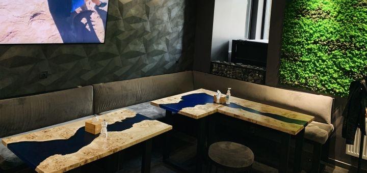 Скидка 50% на меню кухни в ресторане «Rhino»