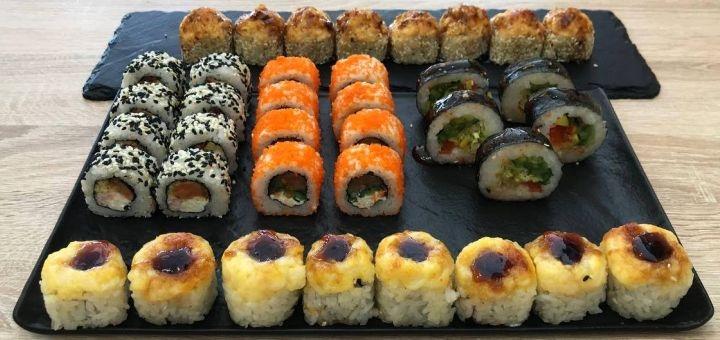 Скидка до 54% на суши-сеты весом до 2 кг с доставкой или самовывозом от сети «Суши Wok»