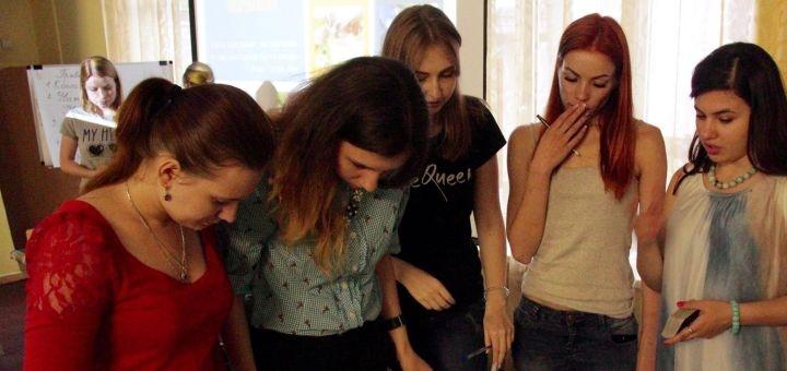 Курс онлайн-тренингов «Нам надо поговорить» от психолога Веселковой Дины
