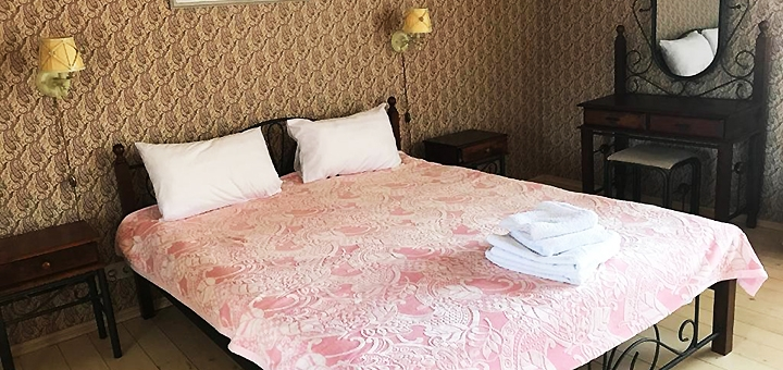От 3 дней отдыха с завтраками и посещением бани в отеле «Золотое руно» в Закарпатье