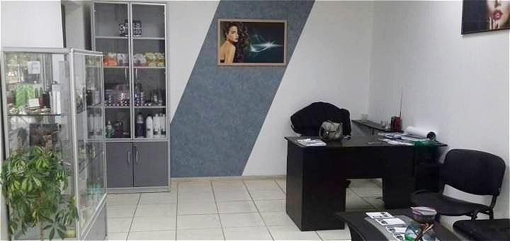 Маникюр и педикюр с покрытием гель-лаком в салоне красоты «Тала»