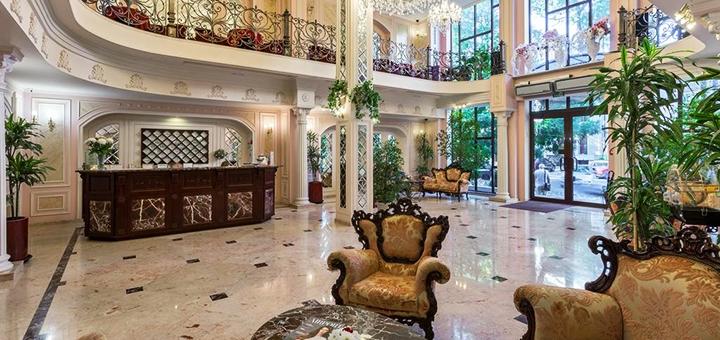 От 2 дней отдыха на майские праздники в отеле «Калифорния 5*» в центре Одессы на Черном море