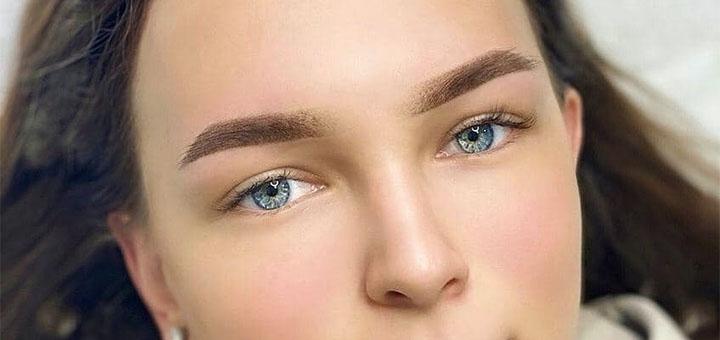 Пудровые брови, акварельные губы или межресничная стрелка в «All dolls»