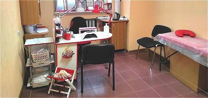 Маникюр и педикюр с покрытием гель-лаком в студии красоты «Kos studio beauty»