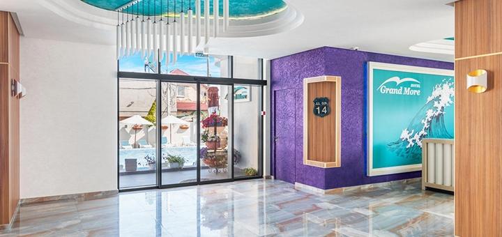 От 3 дней отдыха в мае с посещением бассейна в отеле «Grand More» в Затоке