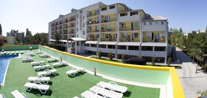 От 3 дней отдыха в мае в номерах полулюкс и апартаменты на базе отдыха «Винница» в Коблево