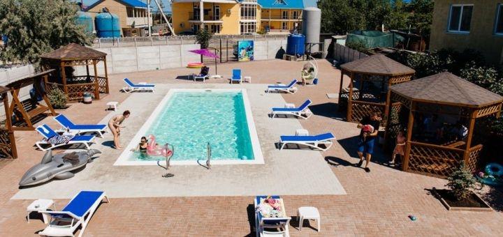 От 3 дней отдыха на базе отдыха с бассейном «Белая акула» в Кирилловке
