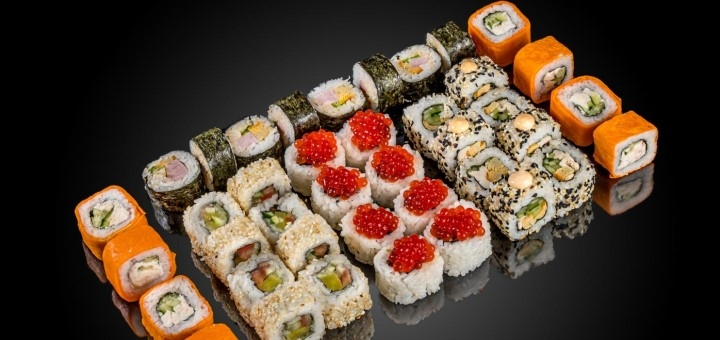 Скидка 50% на килограммовый суши-сет «Икра» от сети кафе-магазинов «SushiBoss»