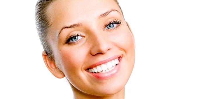 Скидка до 65% на реставрацию зубов или установку коронок в «Стоматологии семейной улыбки»