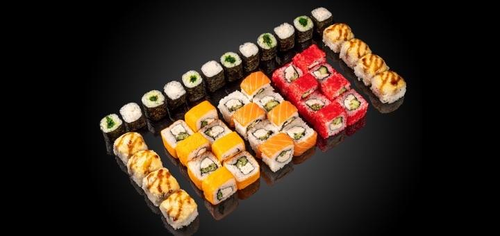 Скидка 50% на килограммовый суши-сет «Хиросима» от сети кафе-магазинов «SushiBoss»