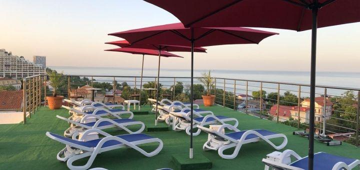 От 2 дней отдыха в мае в отеле с бассейном «For You» в Одессе на берегу моря