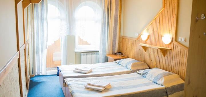 От 3 дней отдыха в будни с питанием и посещением бассейна в отеле «Перлина Карпат» в Славском