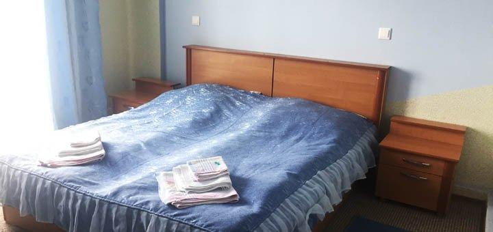 Отдых для одного или двоих с завтраками в Hotel&SPA «Зоряні Карпати» в Сходнице!
