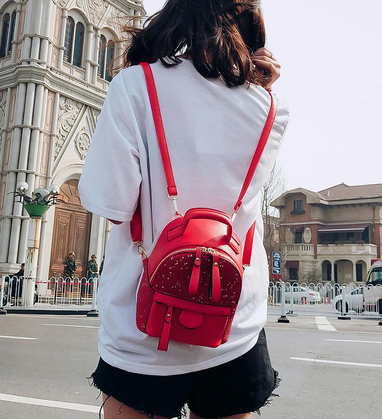 ушанка с чем носить красный рюкзак фото тому